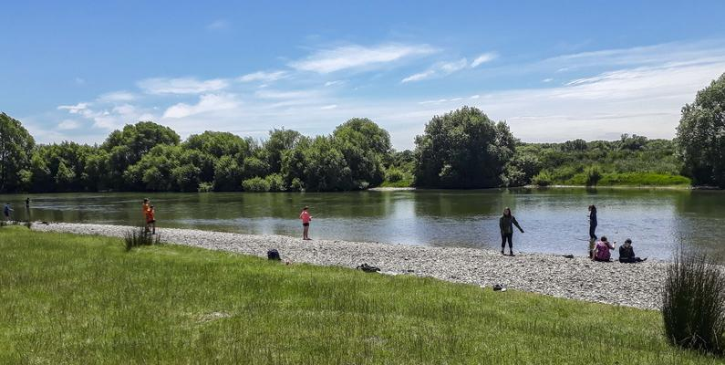 1FishingontheMataura 1