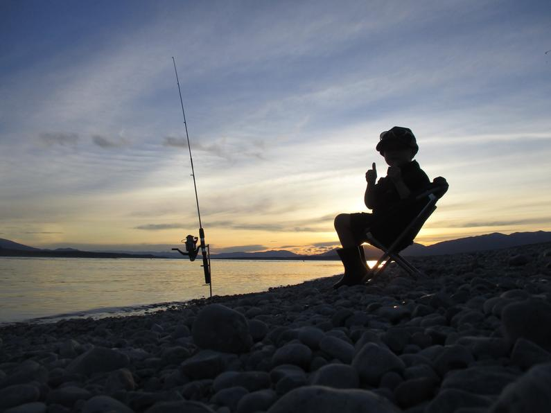 RLcsi4Dec17Micah Thompson enjoying a choice sunset at Lake Pukaki